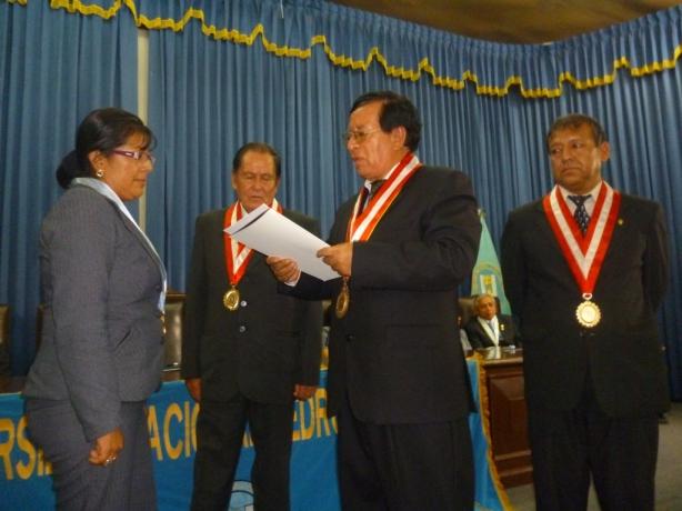 Premios UNPRG aniversario2013
