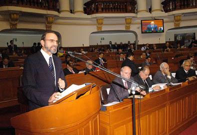 Yehude exp en congreso. jpg