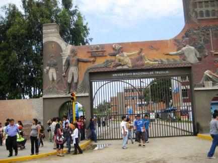 frontis-Universidad-Nacional-de-Trujillo